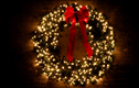 Decorating with Christmas Wreaths & Garlands